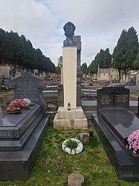 Mochnacki.grave.Auxerre2.jpg