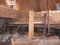 Molen Emmamolen Nieuwkuijk, bovenwiel ijzerbalk voeghout rechts.jpg