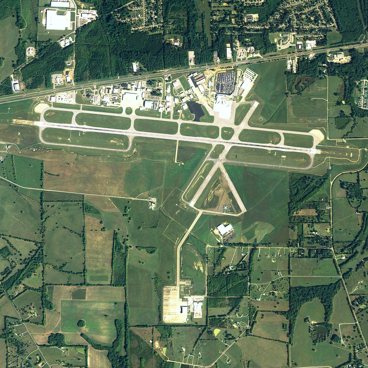 Montgomery Regional Airport Wikipedia - Us regional airport map