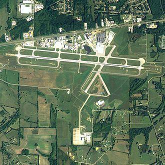Montgomery Regional Airport - NAIP 2006 orthophoto