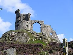 Mow Cop folly angle 2.jpg