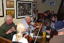 Sessioni di musica tradizionale in pubblico