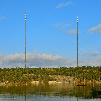 Nackasändaren - The masts at Nackasändaren with the lake Källtorpssjön in the foreground.