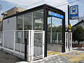 Nagoya-subway-M24-Myoon-dori-station-entrance-elevator-20100316.jpg