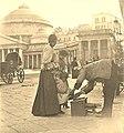 Napoli, sciuscià in Piazza Plebiscito.jpg