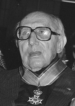 Norbert Elias, 1987 (cropped).jpg