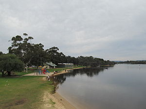 OIC bayswater rowing club from bridge 1.jpg