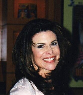 Ona Zee - Image: Ona Zee at CES 2000 Show