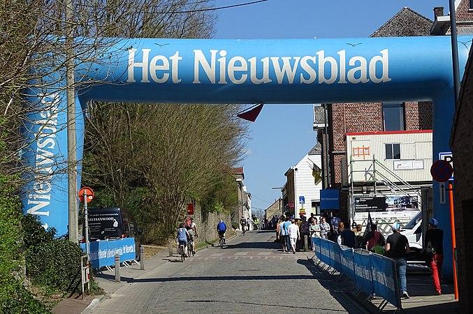 Overijse - Brabantse Pijl, 15 april 2015, aankomst (A02).JPG