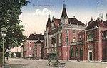Pécsi vasútállomás régi képeslapon (1917).jpg