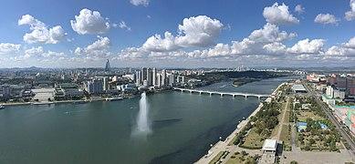 Panoramic view from Juche Tower.jpg