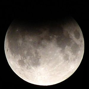 September 2006 lunar eclipse - Image: Partial lunar eclipse Sept 7 2006 Mikelens