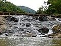 Pequena cachoeira no rio Piabas. - panoramio.jpg