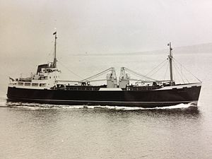 MV Peveril (1963) - Peveril in original configuration, with her two 10-ton cranes.