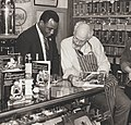 Philadelphia Mayor Wilson Goode with Jeff Smith, The Frugal Gourmet (1986).jpg