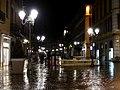 Place Saint-Léger à Chambéry de nuit sous la pluie (mars 2018).JPG