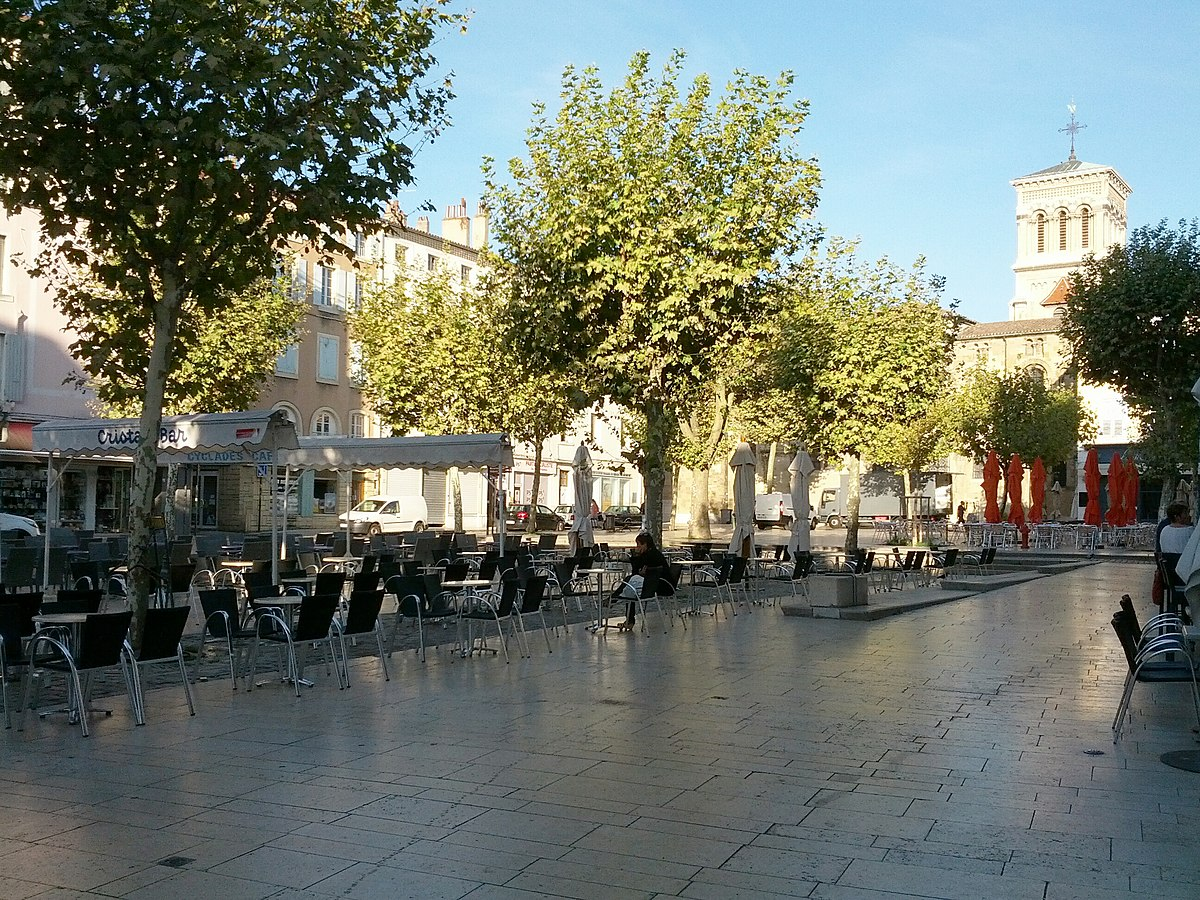 Place des clercs wikip dia for Restaurant valence france
