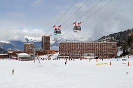 Plagne Centre, April 2017 (crop).jpg