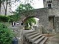 Pont sobre el passeig de la Reina Joana - panoramio.jpg