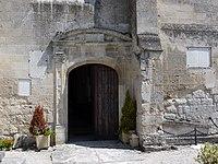 Porche de l'église de Chelles P1120734 31-07-2011 13-05-29.jpg