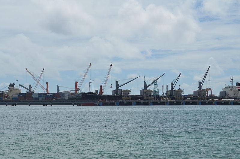 File:Port de Toamasina.jpg
