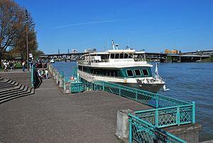 Portland Spirit docked at Waterfront Park.jpg