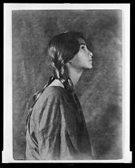 Portrait of Indian-Hawaiian girl (profile) 1909, Library of Congress.jpg