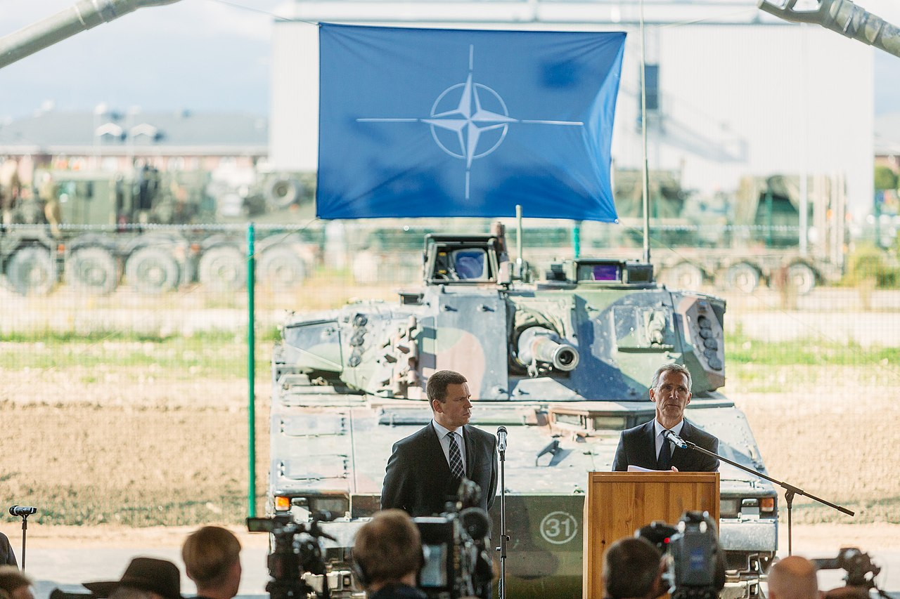 Press trip to visit the allied forces stationed in Tapa. Meetings with NATO units and key figures from the Estonian defence and allied forces (36898303172).jpg