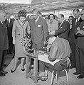 Prinses Beatrix bezocht de Nationale Beroepsmanifestatie te Utrecht, Bestanddeelnr 915-1342.jpg