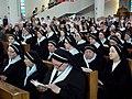 Przed uroczystą mszą św. (9211820033).jpg