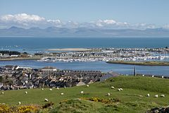 Pwllheli from Pen Y Garn.jpg