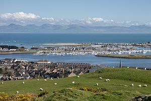 Pwllheli - Image: Pwllheli from Pen Y Garn