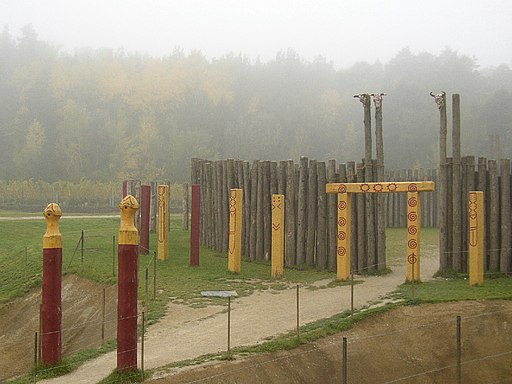 Rekonstruierte Kreisgrabenanlage2
