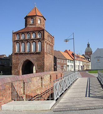 Ribnitz-Damgarten - Image: Ribnitz Damgarten Rostocker Tor