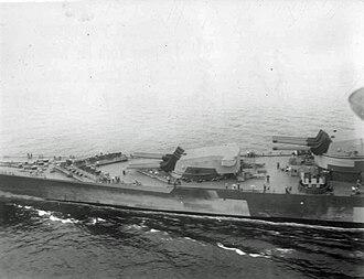 380 mm/45 Modèle 1935 gun - Image: Richelieu en route to New York 1943 bow