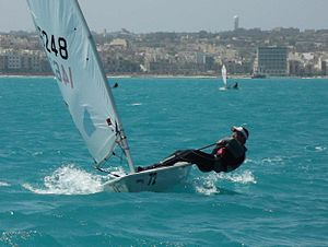 Hiking (sailing) - Hiking technique demonstrated on a Laser Radial.