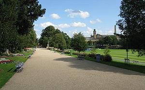 Roberts Park, Saltaire - Image: Roberts Park promenade looking east