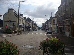 Équeurdreville-Hainneville - Image: Rue principale d'Equeurdreville