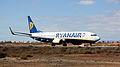 Ryanair B737-800 EI-DWM (4185067123).jpg