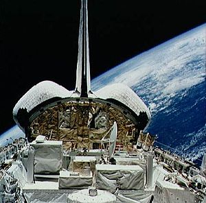 STS-56 - Image: STS 56 ATLAS 2 pallet