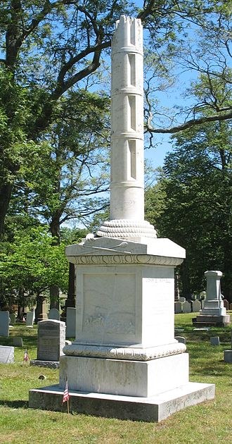 Oakland Cemetery (Sag Harbor, NY) - The Broken Mast Monument which commemorates all the whalers who were lost at sea