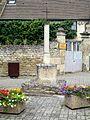 Saint-Leu-d'Esserent (60), hameau de Boissy, calvaire rue de Boissy - rue du Puits Neuf.jpg