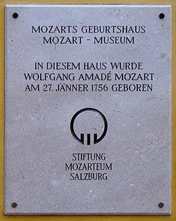 Salzburg, Tafel an Mozarts Geburtshaus, 5.jpeg
