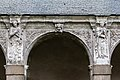 Septième arcade de la galerie ouest du cloître de l'ancienne abbaye saint Melaine, Rennes, France.jpg