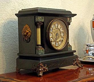 Seth Thomas Clock Company - Mantle clock from 1880, manufactured by the Seth Thomas Clock Company