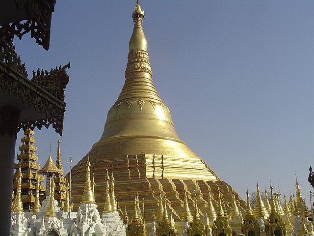 640px-Shwedagon_Pagoda_Yangon29.JPG