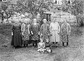 Six sisters from Ytre Eikås, Jølster - ca. 1930-1935.jpg