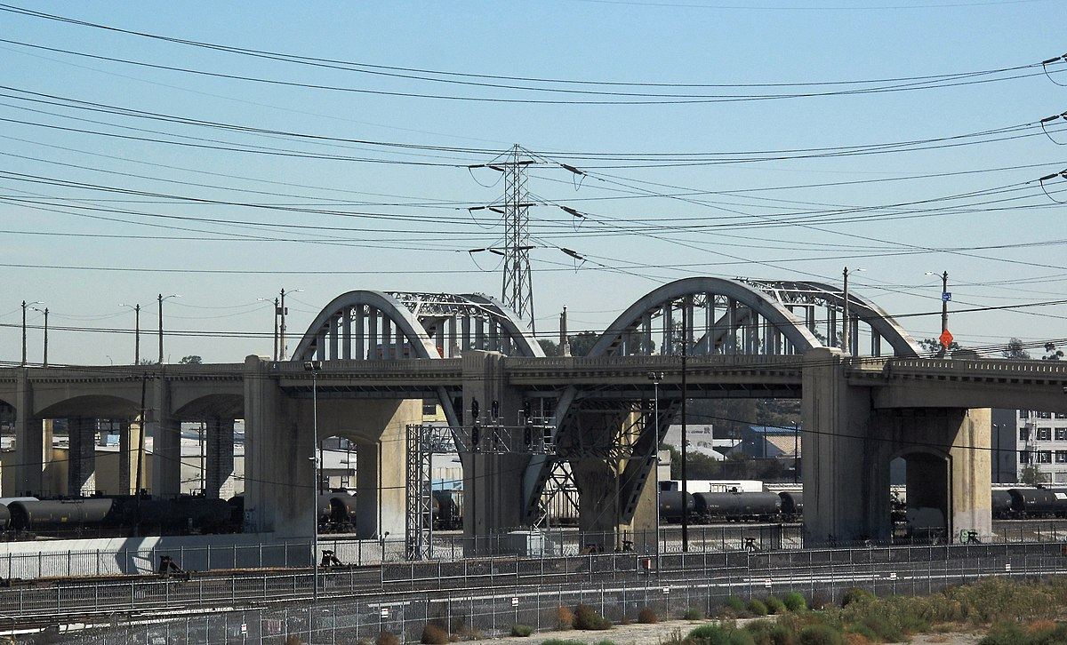 Sixth Street Bridge over Los Angeles River.jpg