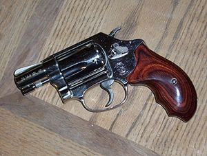 Smith & Wesson Model 36 - Image: Smith and Wesson Model 36 10