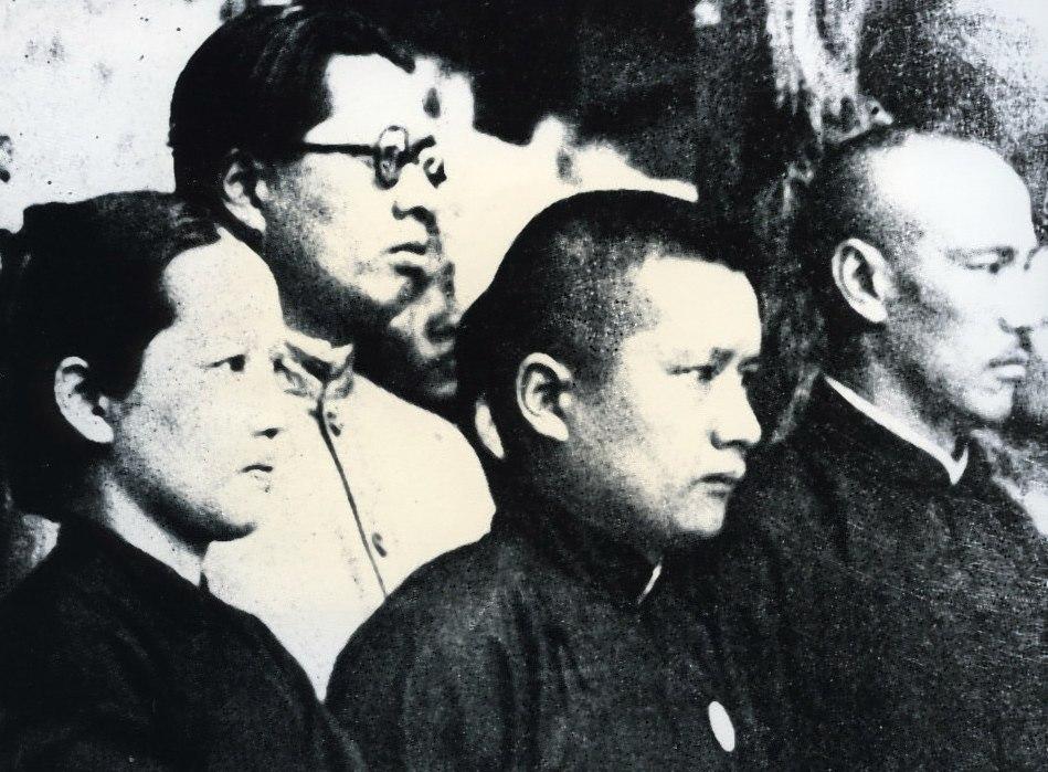 Soong family and Chiang.jpg